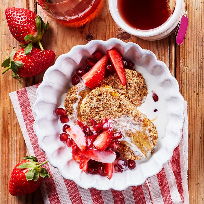 英国进口 维多麦 Weetabix 即食谷物早餐麦片 全麦营养早餐小饼 牛奶冲调好搭档 共48块 860g