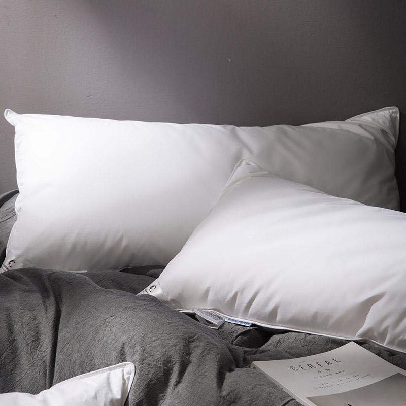 康爾馨 世茂希爾頓授權同款 五星級酒店羽絨枕頭枕芯 90%白鵝絨軟枕 74*48cm 送枕套